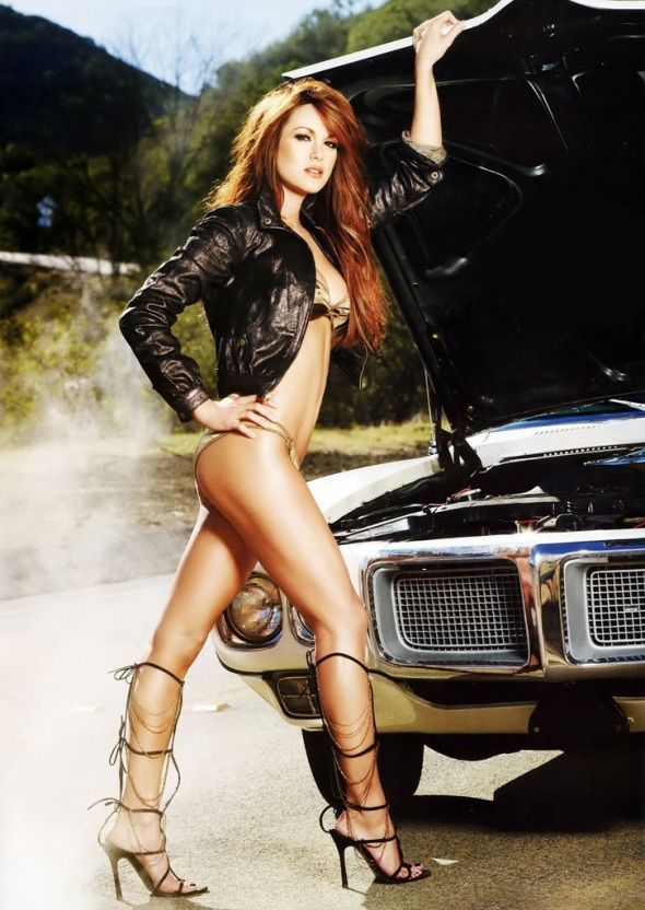 danneel-harris-maxim-march-2008-02